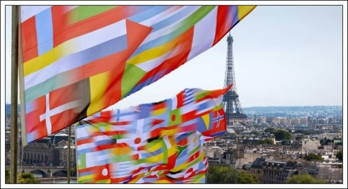 flags_paris-960x450
