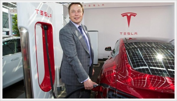 ceo-elon-musk-at-first-uk-supercharger_770x433_acf_cropped